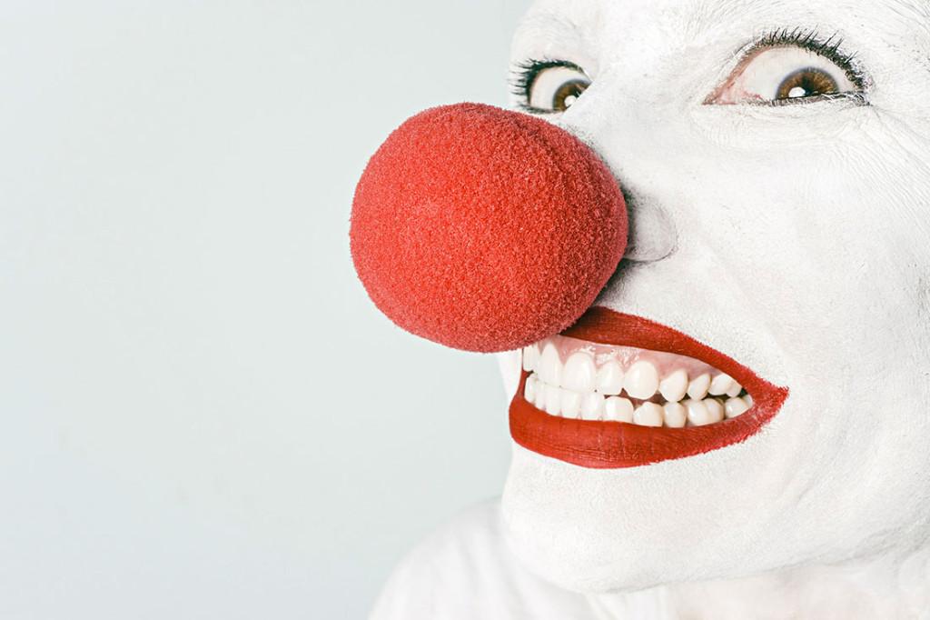 Weiße Zähne durch Zahnaufhellung