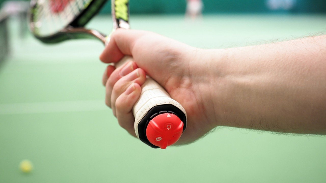 smart-tennis-sensor-fuer-tennisschlaeger-healthexperts-net
